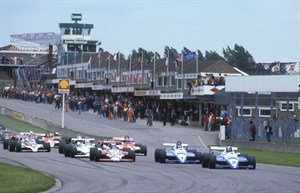 Image 3 - Jonathan Palmer Leads The Field At The Donington Park European F2 Trophy In 1983 (photo Credit - Jeff Bloxham)